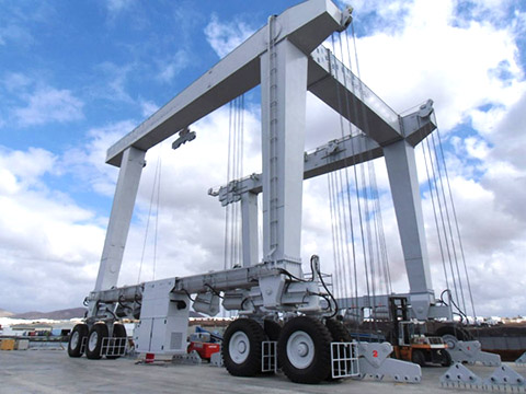 600 ton marine travel lift