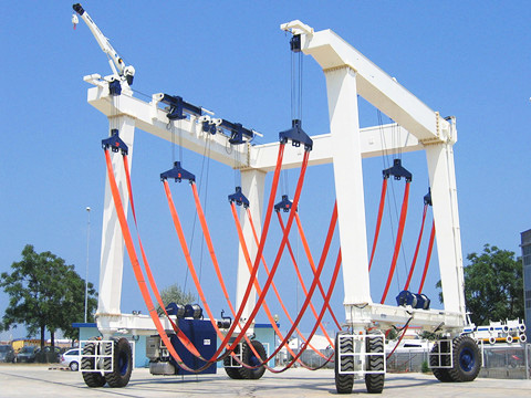 excellent marine travel lift