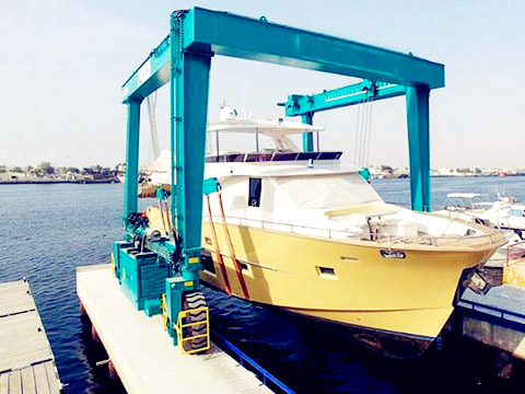 advanced marine hoist crane