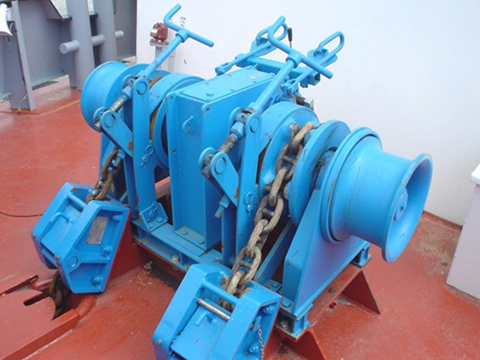 small anchor winch